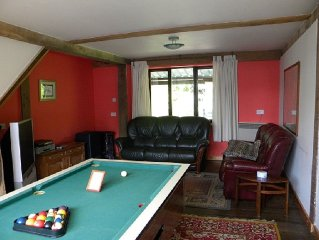 Holiday cottage with lake.  Free pool table