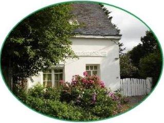 Maison sur jardin clos, WI-FI, décorée par une artiste peintre