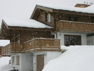Stunning Swiss Ski Chalet With Jaw-dropping Views