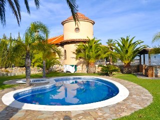 Magnífica Villa con gran piscina y jacuzzi, 6 habitaciones, gran jardín y vistas