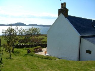 Luxury cottage in the heart of Achiltibuie with sea views to the Summer Isles