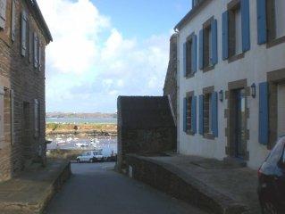 Sea view apartment near pier and beaches