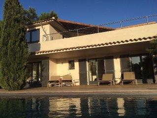 Villa à 30m de la plage dans le splendide Domaine de Cala Rossa, piscine