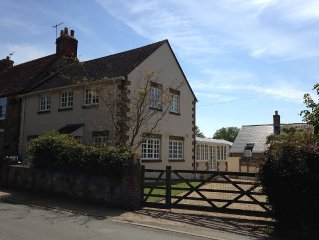 Spacious Self-Catering 4 Bedroom Holiday Cottage In The Isle Of Wight