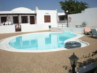 Detached Villa In A Complex Of 9, With Shared Pool