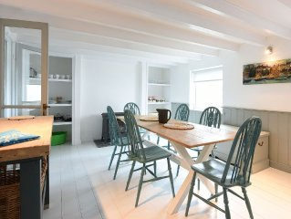 A light and spacious Cottage a few minutes walk from Cadgwith Cove, Cornwall
