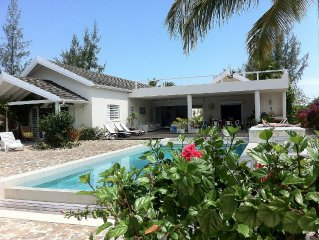 Luxury 4/5 beds Beach House Private Pool/Sea Views/Own Beach/Wi-Fi Jolly Harbour