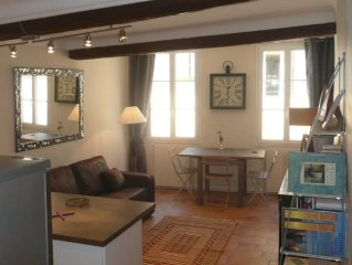 Charming apartment, quiet, located in the historic town center