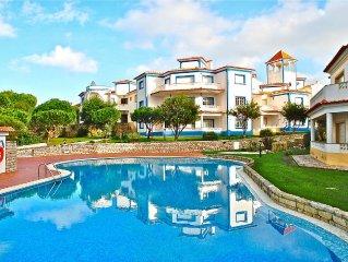 Great value Praia del Rey apartment- ocean views, golf & beach a short walk away