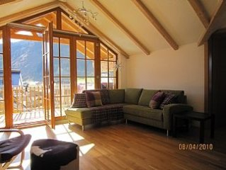 Luxury Penthouse Apartment has lift, balcony view of nursery slope and mountains