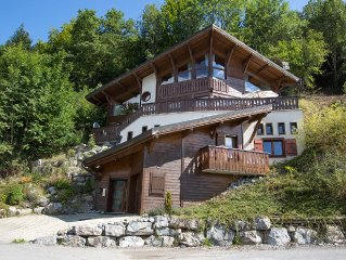 Stunning Architech Designed 6 Bedroom Chalet Overlooking Morzine.