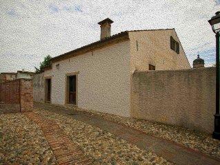 Conegliano  Veneto casa del 1500, nel centro storico 5' a piedi  dal treno.