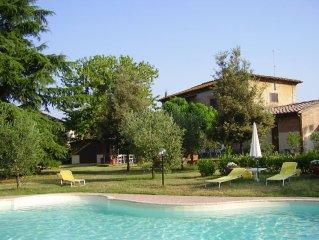 Fantastica villa vicino Siena, Toscana con giardino e piscina