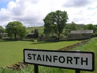 Pet Friendly S/Catering Holiday Cottage in Stainforth nr Settle, free wi-fi incl
