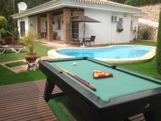 3 bed/2 bath villa, private pool and garden, Wireless Internet and UK television
