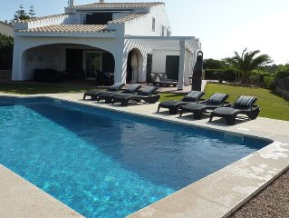 Luxury Villa, Private Heated Pool, Sea Views, Wi-Fi, Uk TV & Air Conditioning.