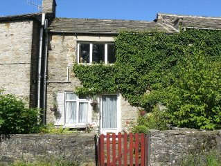 Cosy Cottage In Tranquil Upper Swaledale Village