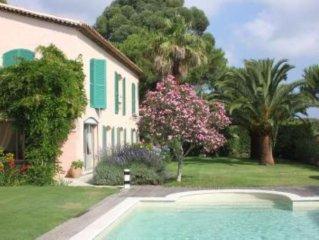 ancienne Bastide de charme renovee et decoree style provencal  avec jardin fleur