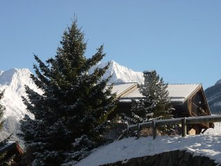 Lovely Alpine chalet near ski bus stop, fabulous views, tablet pcs, free WiFi