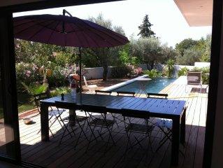 Magnifique villa comtemporaine neuve avec piscine
