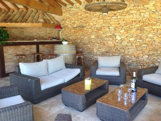 Super private pool and pool house, Beautiful views over surrounding countryside,