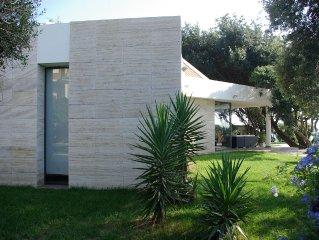 Una location da sogno !Villa moderna con piscina sul mare,a due passi da Roma!!!