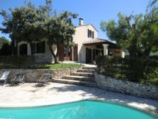 A 10mn Saint Remy et  Avignon Maison familiale piscine