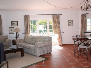 Apartment With Shared Pool, landscaped gardens, Wi-fi