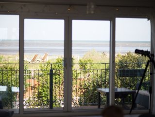 Newly Renovated Family Friendly Beach House With Hot Tub! Outstanding Sea Views