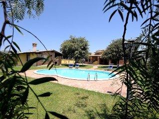 Genzano di Roma Exclusive  Villa private pool near Rome to 20 minutes by train!
