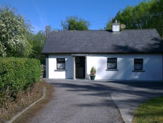 Secluded Cottage on 2 acres near Galway sleeps 6