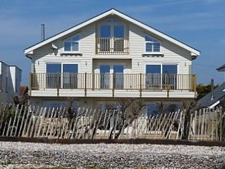 Stunning Open Plan Beach House With Sea View And Direct Access To The Beach