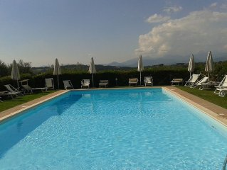 'Le Ginestre'  con piscina  in residence immerso nel verde