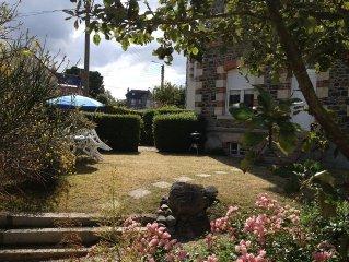 Belle maison familiale avec jardin clos a 500 m de la Plage du Casino