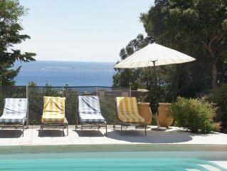 Villa avec piscine dans un domaine sécurisé à 100 marches de la mer