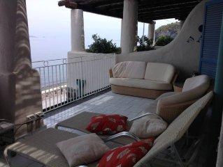 casa con vista panoramica a pochi metri dal mare