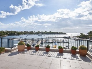 Modern first line penthouse sea views. 3 bedrooms, Wi-Fi 40m terrace. Portopetro