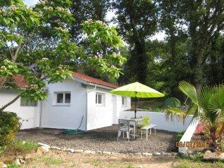 Maisonnette dans propriété d'un hectare