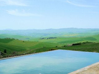 Luxury farm for large groups in beautiful Sicilian countryside