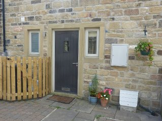 Modern cottage - 1 mins walk from village centre and surrounding countryside