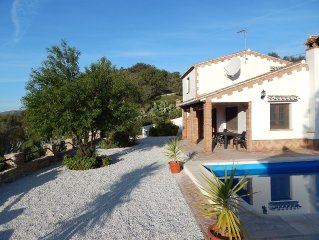 Spacious Detached Villa With Private Floodlit Pool And Fabulous Mountain Views