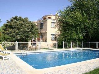 'CASA ELENA' con piscina y tenis en Iznajar - A 1h. de Malaga, Granada y Cordoba