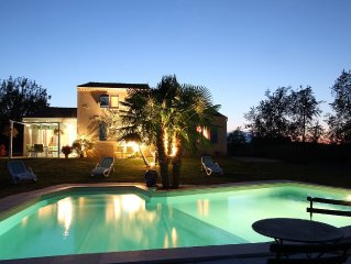 Location Sarlat Villa 8 personnes piscine chauffee, Jacuzzi