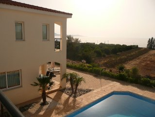 Private Villa in Argaka with own pool. Clear views of sea and mountains. WiFi.
