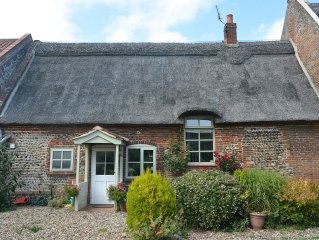 4 Bed Thatched Cottage with all mod cons Norfolk Broads and Coast