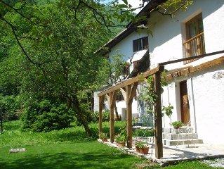 Beautifully Restored Cottage In Idyllic Location