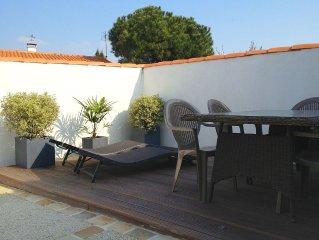 RHEA Maison avec terrasse et patio, à proximité de la plage