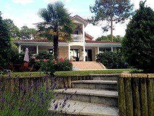 Villa de standing avec piscine privée vue sur le golf de Lacanau