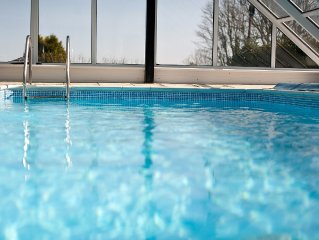 Atlanta Breeze - Holiday Cottage With Private Indoor Swimming Pool & Car Parking
