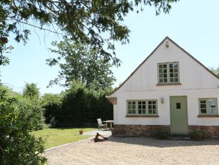 Cottage Perfectly Located near seafront, Lymington town and marinas a stroll awa